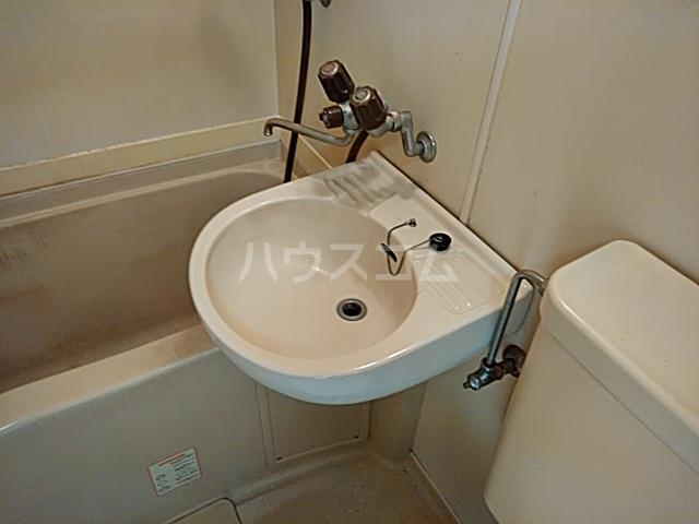 ツインコート 205号室の洗面所