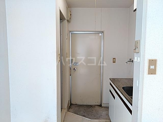 ツインコート 205号室の玄関