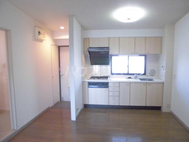 コンフォールタツミ 402号室のキッチン