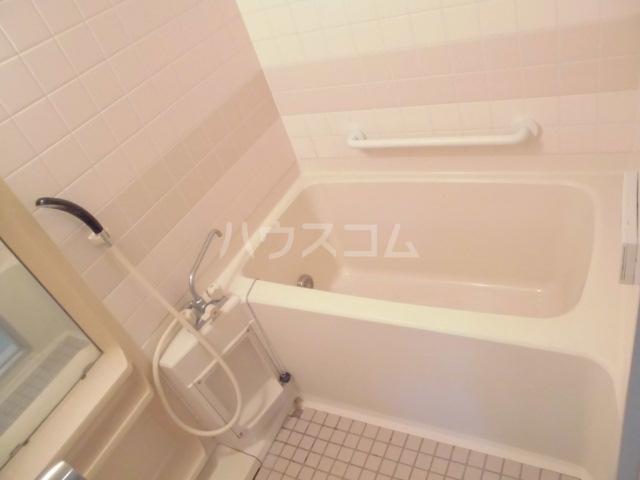 コンフォールタツミ 402号室の風呂