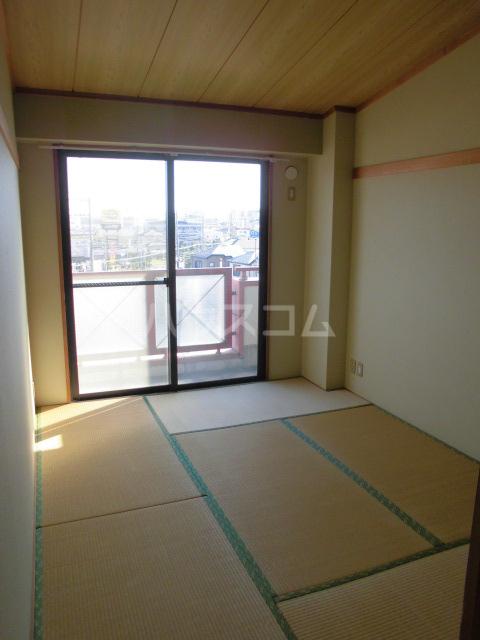 コンフォールタツミ 402号室のベッドルーム