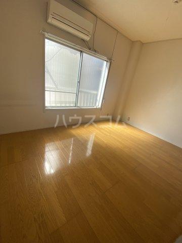 金子ハイツ 201号室の居室