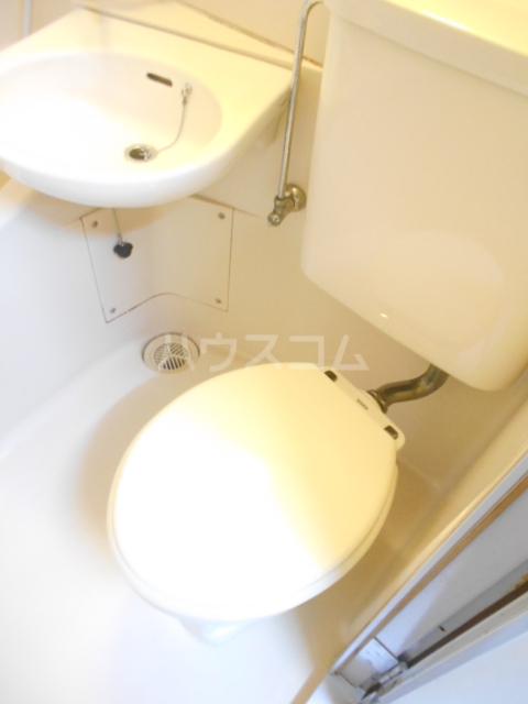金子ハイツ 201号室のトイレ