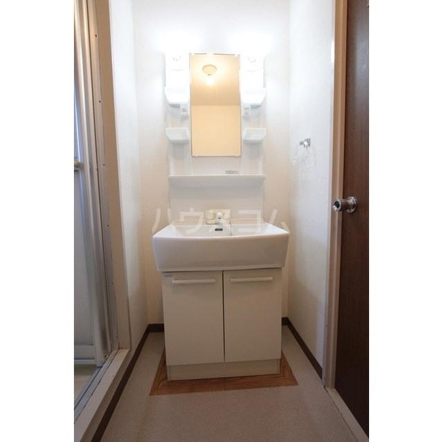マリナスパジオ 102号室の洗面所