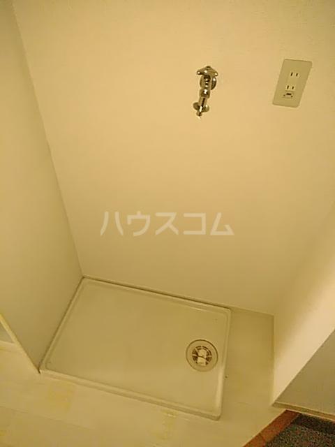 アーバンヒルズ鶴間 208号室のリビング