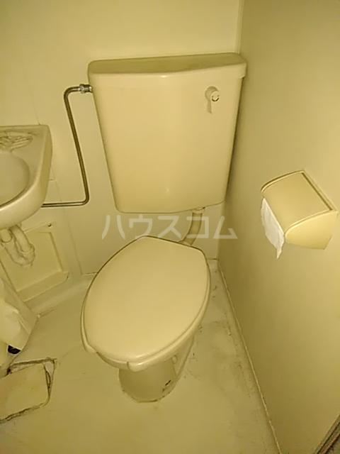 アーバンヒルズ鶴間 208号室のトイレ