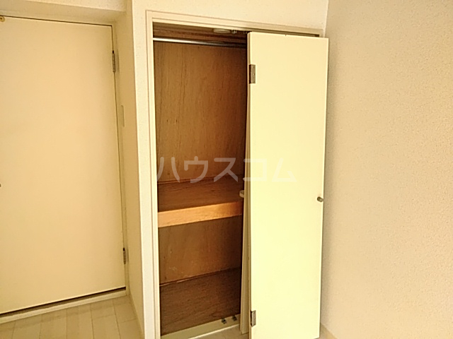 アーバンヒルズ鶴間 208号室の洗面所