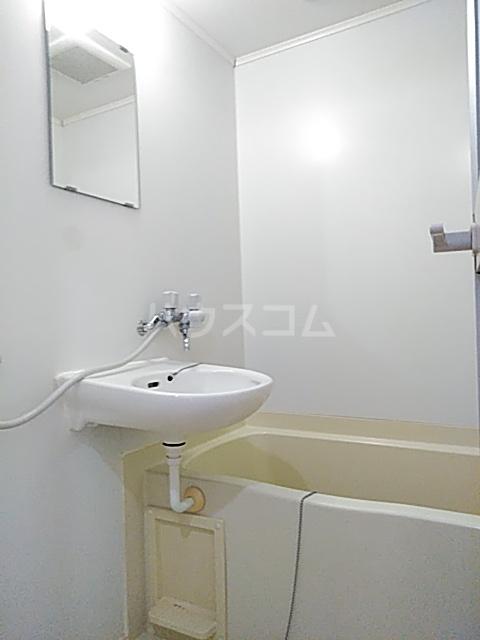 イルチェロⅡ 201号室の風呂