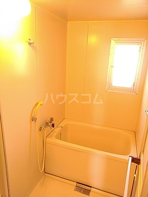 第2代官サニーハイツ 203号室の風呂