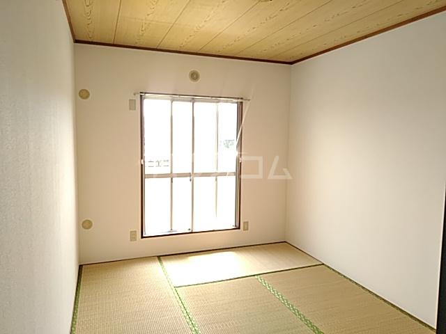 第2代官サニーハイツ 203号室の居室