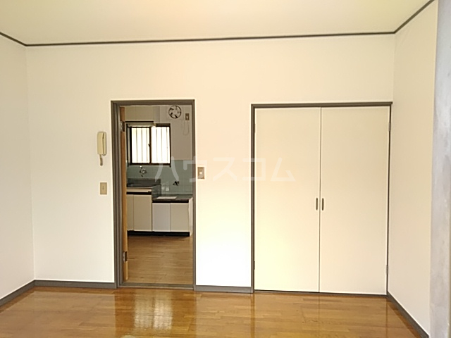 コーポウイングB棟 202号室のリビング