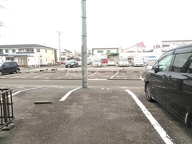 新和ハイツ 403号室の駐車場