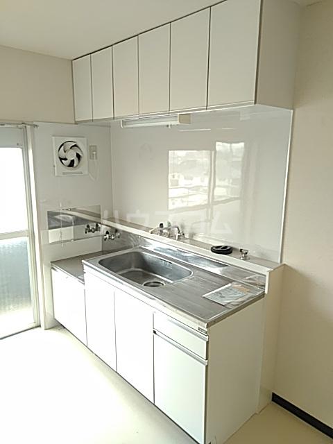 新和ハイツ 403号室のキッチン