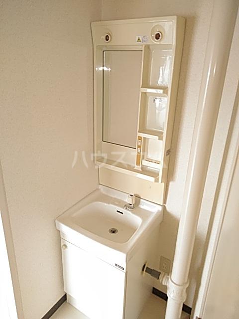 新和ハイツ 403号室の洗面所