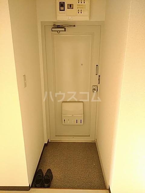 新和ハイツ 403号室の玄関