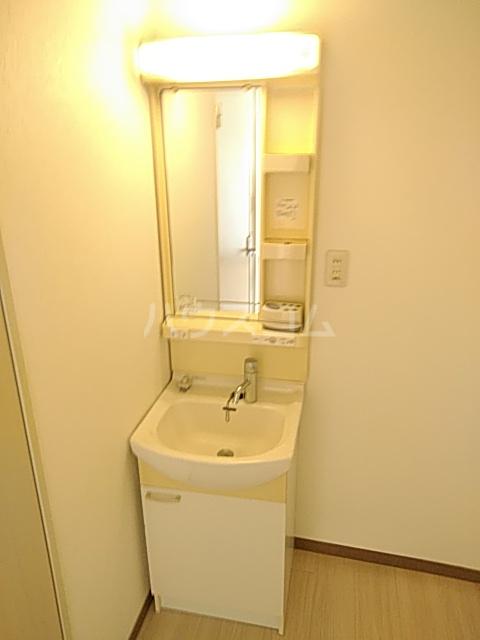 神栄マンションの洗面所