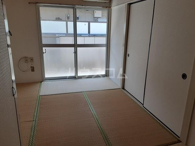 桜ヶ丘コーポ 203号室の居室