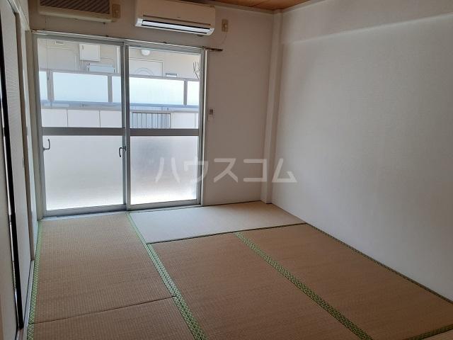 桜ヶ丘コーポ 203号室のリビング