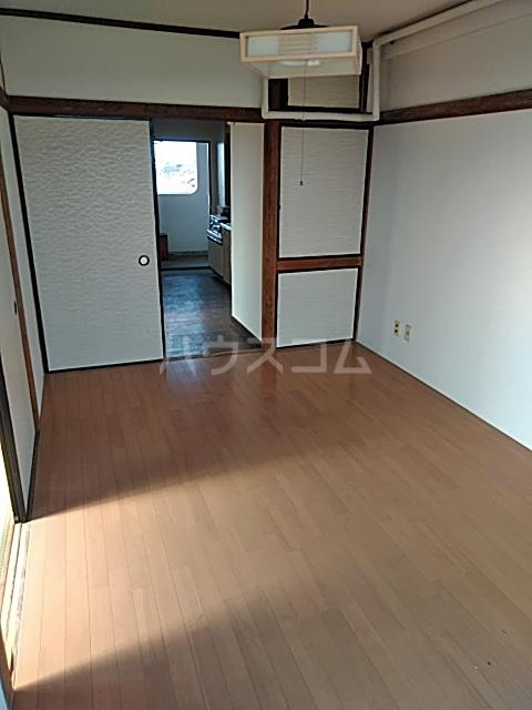 あきらマンション 305号室のリビング