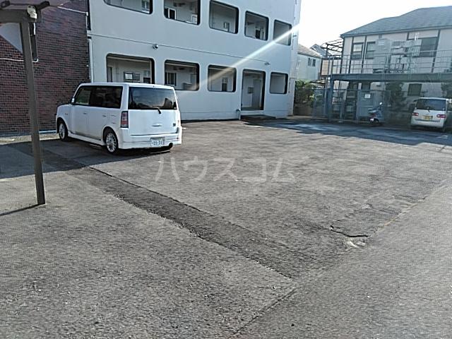 あきらマンション 303号室の駐車場