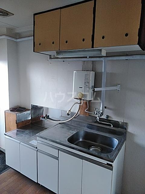 あきらマンション 303号室のキッチン