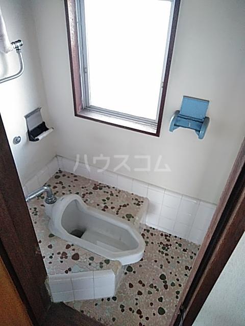 あきらマンション 303号室のトイレ