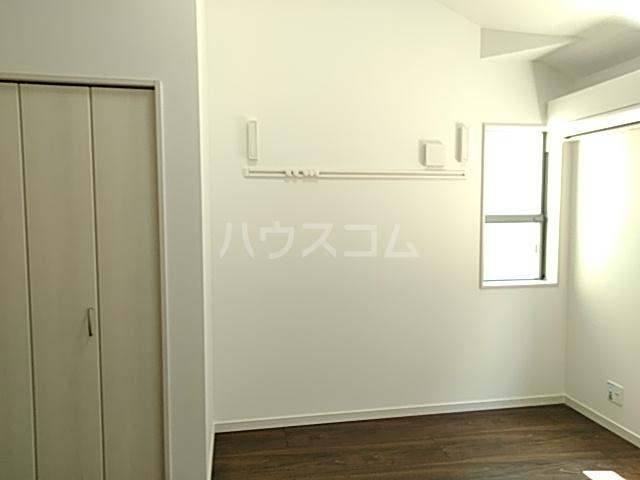 ジョリーメゾン 102号室の居室