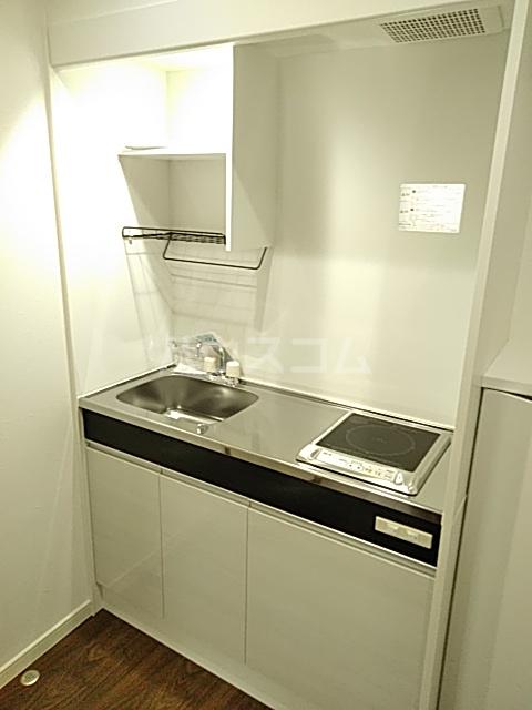 ジョリーメゾン 102号室のキッチン