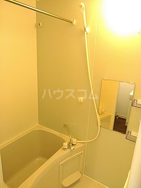 ジョリーメゾン 102号室の風呂