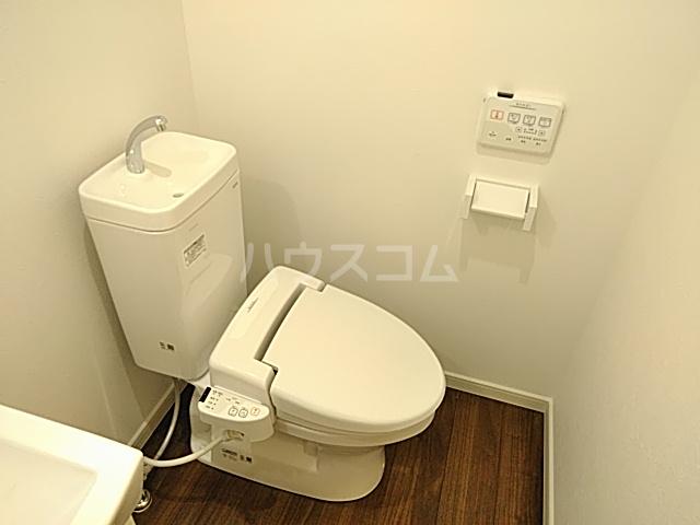 ジョリーメゾン 102号室のトイレ