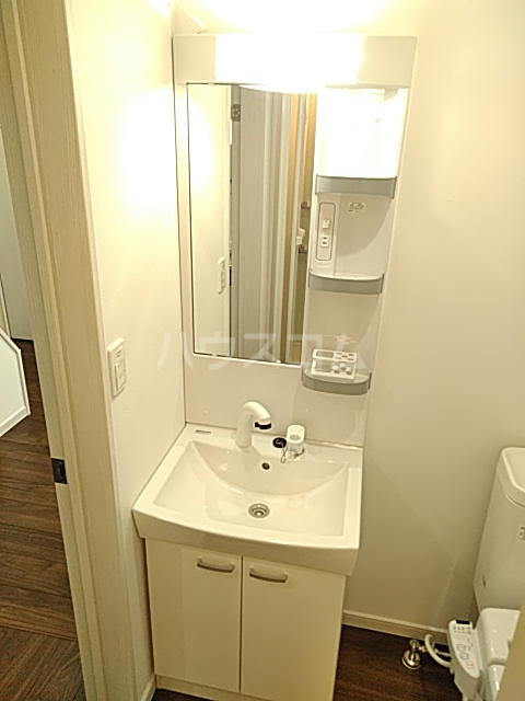 ジョリーメゾン 102号室の洗面所