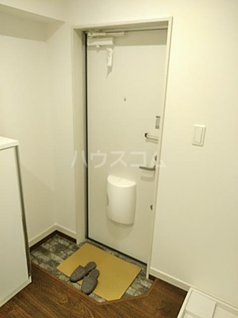ジョリーメゾン 102号室の玄関