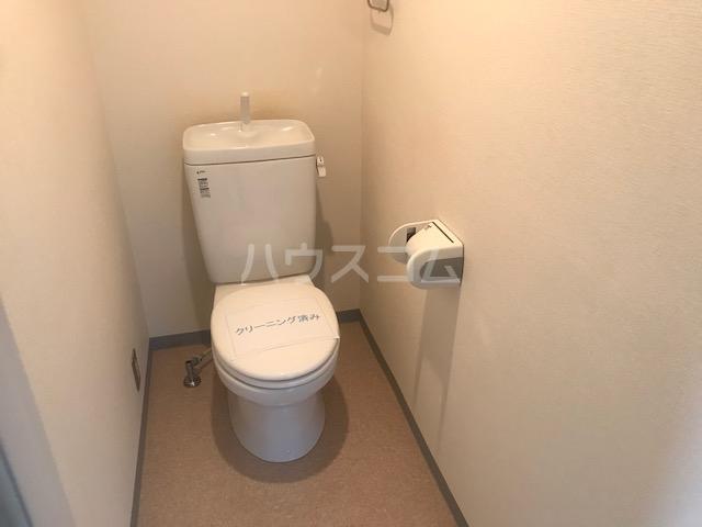 栄興厚木ヴィラ 306号室のトイレ