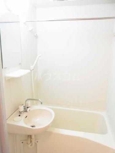 レオパレスヴァンテアン 101号室の洗面所