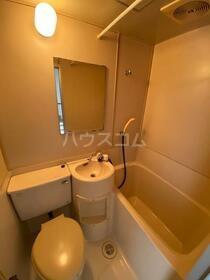 コーポ東淵野辺 205号室の洗面所