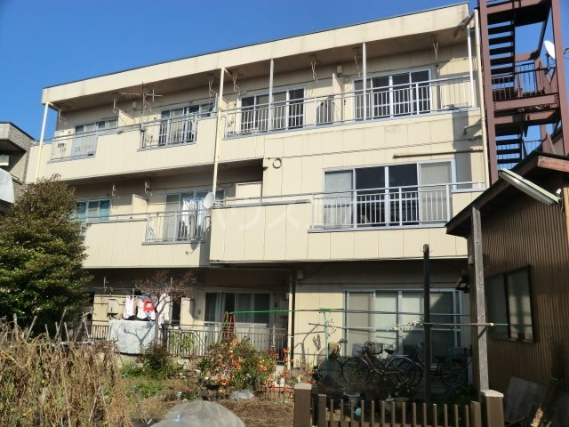 石田マンション 202号室の外観