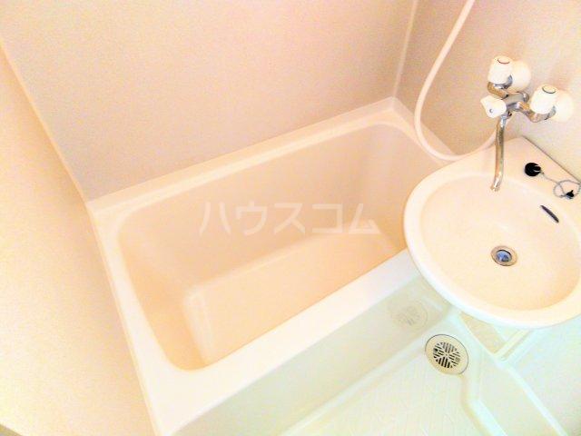 ララ鶴間No.3 202号室の風呂