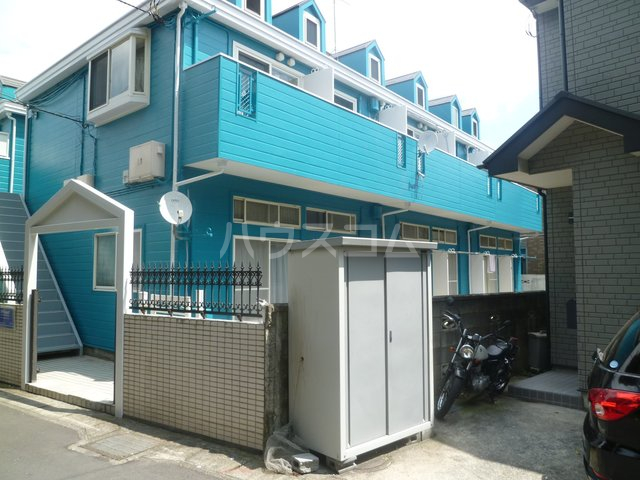 ララ鶴間No.3 202号室の玄関