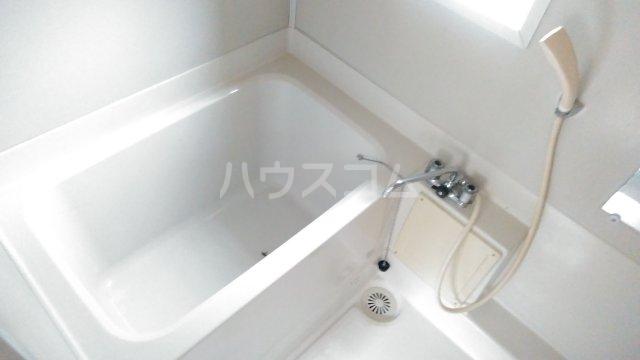 メゾン トーマ 101号室の風呂