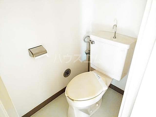 プレミー旭町 105号室のトイレ