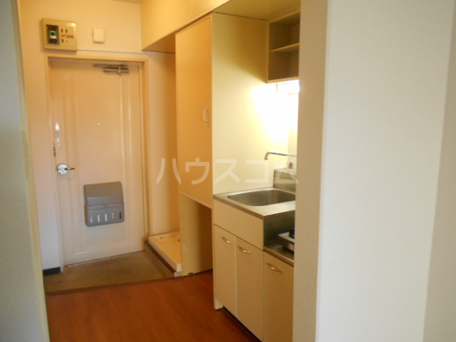 厚木ユースハイム 102号室のキッチン