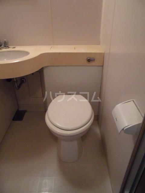 メゾン・ド・ピアⅡ 201号室の洗面所
