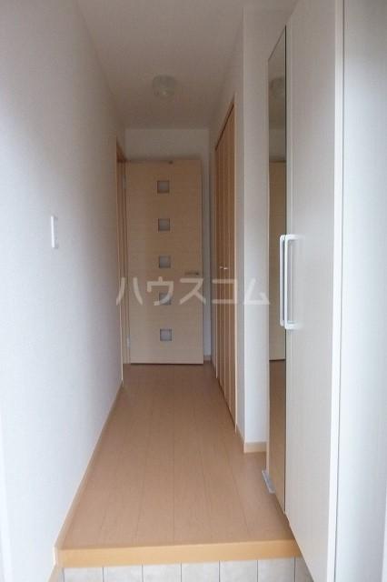 シャトレ・ハイムヒル 01020号室の玄関