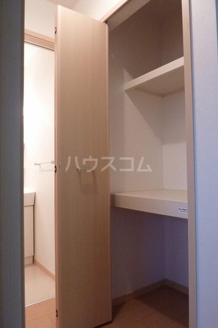 シャトレ・ハイムヒル 01020号室の収納