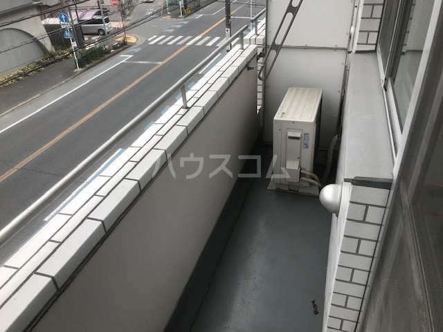 栄興厚木ヴィラ 305号室のバルコニー