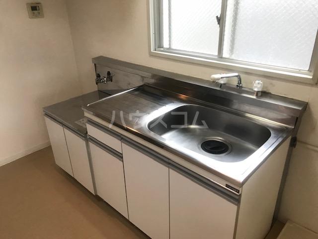 栄興厚木ヴィラ 305号室のキッチン