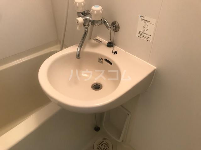 栄興厚木ヴィラ 305号室の洗面所