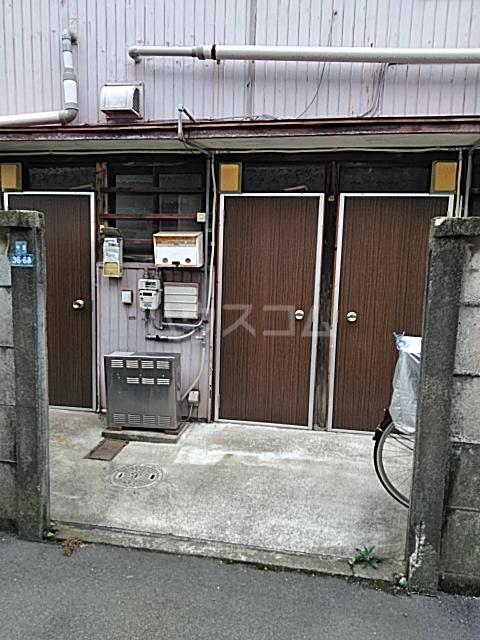 宮澤アパート 201号室のエントランス