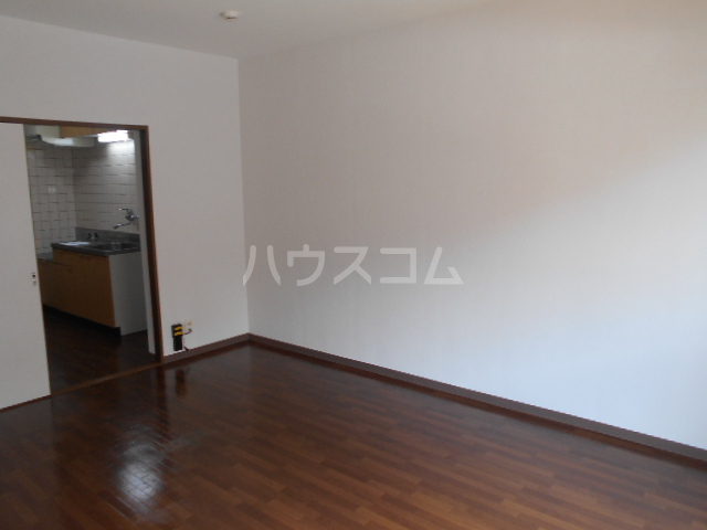 エテルノ鶴巻 302号室のキッチン