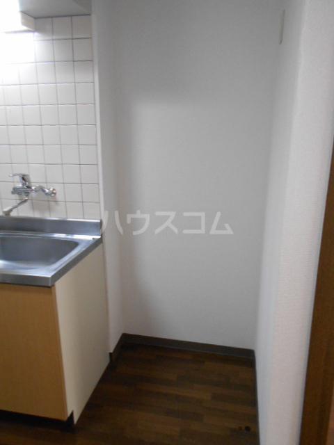 エテルノ鶴巻 302号室の収納